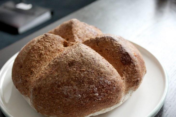 e6b78-ekster_bread_02